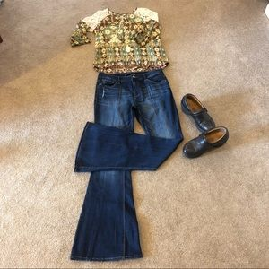 EXPRESS Bell Flare Mid Rise Jeans. Size 12 x 34L